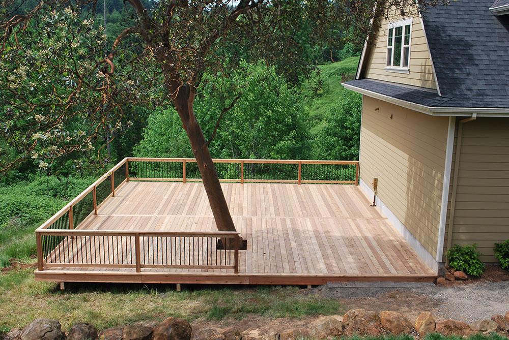 Losli Cedar Deck